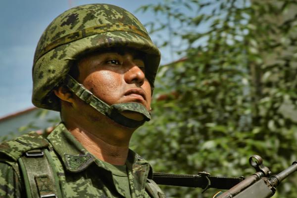 Etter at den meksikanske staten i 2006 gikk til frontalangrep på narkokartellene i landet, har hæren spilt en viktig rolle. Forskere sier riktignok at det er altfor lite informasjon og forskning rundt det militæres rolle i kampen mot narkokriminaliteten. (Foto: Marco Aguilar)
